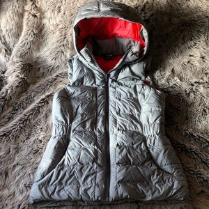 THE NORTH FACE WOMENS VEST-NEW W/O TAGS